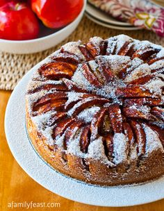 "Apple Topped Cake - Found via A Family Feast ""A moist, dense and super delicious cake that is just perfect for baking with in-season apples! Apple Desserts, Apple Recipes, Just Desserts, Pumpkin Recipes, Cupcakes, Cupcake Cakes, Cupcake Recipes, Dessert Recipes, Gastronomia"