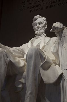 Walking tour of monuments and memorials -- D.C.