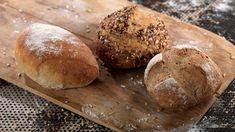 Rundstykker Fra Bakeriet I Lom - Oppskrift fra TINE Kjøkken Norwegian Food, Norwegian Recipes, Danish Food, Korn, Granola, Baked Goods, Food And Drink, Yummy Food, Norway