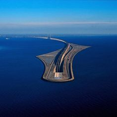 The bridge between Denmark and Sweden dips into a tunnel Øresund Bridge Copenhagen-Malmö. Tag your travel buddies! Photo by Pontus_Pilates Places To Travel, Places To See, Beau Site, Bridge Design, Amazing Buildings, Beautiful Places To Visit, Architecture, Sweden, Travel Photography