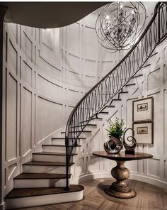 The Most Popular Entryway Design Ideas on Pinterest | Luxury Interiors | Entryway Decor Ideas | www.bocadolobo.com #bocadolobo #luxuryfurniture #exclusivedesign #interiordesign #designideas #entrywaydecorideas #entryway #houseentrancedesign #hallwayideas #foyerdesign #decorations #designideas #roomideas #homeideas #houseentrancedesign #interiordesignstyles #housedesignideas #moderninteriordesign #modernhouseinteriordesign #contemporaryinteriordesign #interiorinspiration #homedecor…