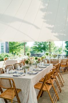 La Tavola Fine Linen Rental: Charlotte White with Nevada Steel Blue Napkins | Photography: Rodeo & Co Photography, Planning: Kate Dawson Events, Florals: Sarah Worden Natural Design, Catering: Hunt & Harvest, Paper Goods: Ink Revival, Venue: Lion Rock Farm,