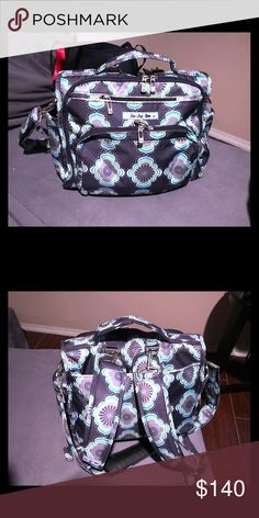 Ju ju be baby bag like new Ju ju be baby bag that is almost brand only used it a few times . juju be Bags Baby Bags