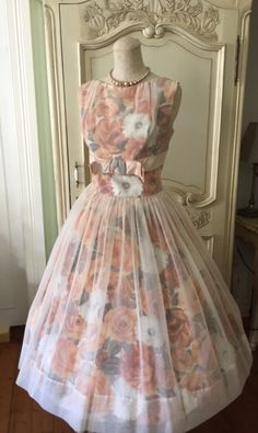 1950s Vintage Peachy Cream White Floral Dress Cupcake Cocktail Garden Party Prom 50s Madmen Bridesmaid Wedding Bridal gown Frock by VintageDressUpStore on Etsy https://www.etsy.com/au/listing/474080089/1950s-vintage-peachy-cream-white-floral