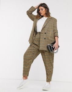 Find the best selection of ASOS DESIGN Curve sharktooth dad suit. Shop today with free delivery and returns (Ts&Cs apply) with ASOS! Plus Size Suits, Look Plus Size, Plus Size Fashion For Women, Plus Size Women, Curvy Girl Outfits, Cute Casual Outfits, Plus Size Vintage, Androgynous Fashion, Inspiration Mode