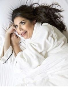 Cecily Strong and her bedroom eyes.