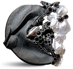 Thierry Vendome Live Brooch-pendant sanded black gold, Keshi pearls from Japan,  black diamonds.