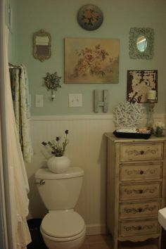 Vintage guest bathroom wall collage