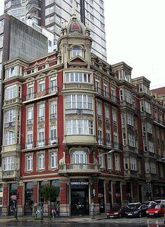 Edificios modernistas en la ciudad de LA CORUÑA, Galicia, España. Spain.