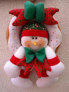 Felt Christmas, Christmas Crafts, Merry Christmas, Christmas Ornaments, Snowman, Decoupage, December, Santa, Holiday Decor