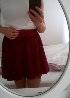 Kup mój przedmiot na #vintedpl http://www.vinted.pl/damska-odziez/spodnice/13780215-dziewczeca-koronkowa-spodnica-bordowa-sm