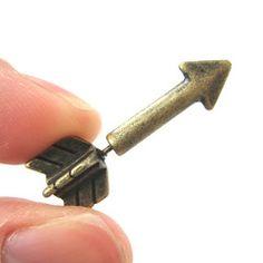 Fake Gauge Earrings: Realistic Arrow Shaped Faux Plug Stud Earrings