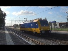 Gloednieuwe BR186 001 komt door Zevenaar! - Ingezonden video door Intercity op het Scherm - YouTube. Woensdag 13 augustus 2014. Via twitter @KoploperMau.