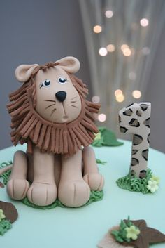 Would make a great set with a monkey and elephant! Safari Birthday Party, Boy Birthday, Lion Party, Lion Cakes, Safari Cakes, Jungle Cake, Fondant Icing, Disney Cakes, Cupcake Ideas