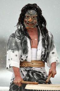 Wajima Purification - Wajima, Ishikawa Look at that gorgeous dye job. Geisha, We Are The World, People Around The World, Japanese Culture, Japanese Art, Japon Tokyo, All About Japan, Ishikawa, Art Japonais