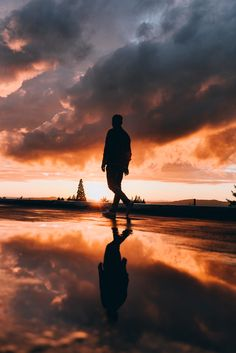 This evening was crazy. by Nick Verbelchuk - Photo 230031975 / Cloudy Photography, Shadow Photography, Male Photography, Sunset Photography, Landscape Photography, Travel Photography, Sunset Pictures, Cool Pictures, Sunset Pics