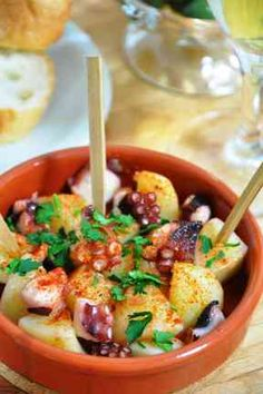 Spanish Style Octopus and Potato Appetizer Recipe by cookpad. Gourmet Appetizers, Potato Appetizers, Appetizer Recipes, Easy Cooking, Cooking Recipes, Healthy Recipes, Cooking Ideas, Healthy Food, Tapas Dishes