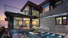 Jolie villa de luxe propriété de vacances des gens, qui chaque année, aiment se retrouver nombreux afin de profiter de la côte californienne et passer de belles vacances en famille.