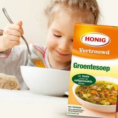Heb jij ze ooit zo vrolijk #soep zien eten? #kinderen #soep #honig