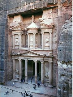 Petra, Jordan. amazing! Places To Travel, Places To See, Travel Destinations, Travel Deals, Travel Tips, Wonderful Places, Beautiful Places, Amazing Places, Places Around The World