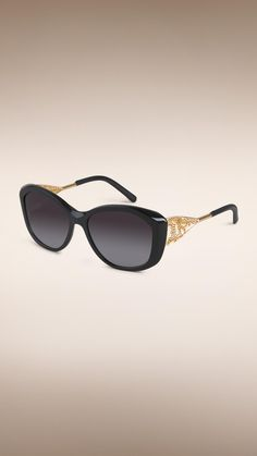 69ceb0ce062 16 Best Burberry Eyewear images in 2019