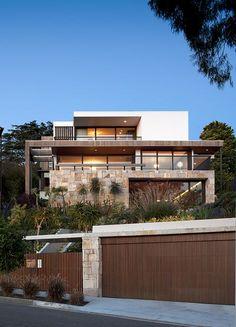 Flipped House / MCK Architects