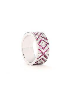 Ambre Victoria Rings :: Ambre Victoria Pavée Xoxo ring | Montaigne Market