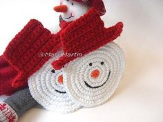 Use picture for pattern - Christmas Crochet Coasters Snowman ~ Crochet Colorful Crochet Christmas Decorations, Christmas Crochet Patterns, Holiday Crochet, Crochet Gifts, Christmas Ideas, Free Crochet, Crochet Coaster, Christmas Snowman, Crochet Snowman