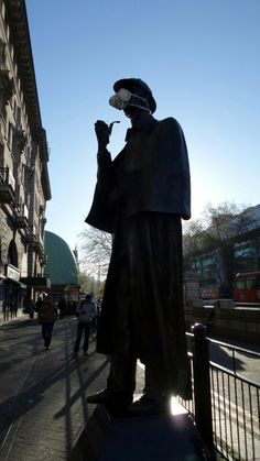 Sherlock Holmes: You don't have to be a detective to figure out air pollution is getting worse.Healthy citizens are the greatest asset any country can have   Greenpeace UK