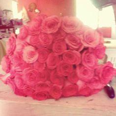 Bellas flores, detalles que le encantan a toda mujer.