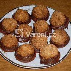 Fotografie receptu: Kokosky v čokoládě Christmas Baking, Muffin, Breakfast, Recipes, Petra, Morning Coffee, Recipies, Muffins, Ripped Recipes