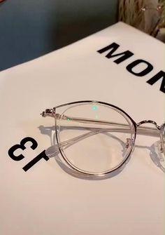Glasses For Face Shape, Cool Glasses, Glasses Sun, Aviator Glasses, Cat Eye Glasses, Fashion Eye Glasses, Glasses Outfit, Glasses Frames Trendy, Round Frame Glasses