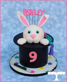 How To Make A rabbit in a hat Cake | Cute magician hat cake with adorable bunny!