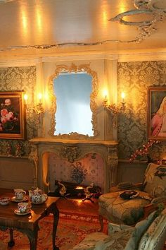 This is a miniature parlor in a Victorian dollhouse! Now I know what to do with my Victorian dollhouse my husband built. Victorian Dollhouse, Victorian Decor, Victorian Homes, Victorian Era, Victorian Fashion, Victorian Furniture, Miniature Rooms, Miniature Houses, Miniature Furniture