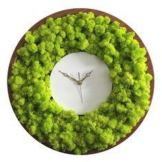 Best 12 Reindeer Moss Clock by Noktuku – SkillOfKing. Moss Wall Art, Moss Art, Home Design, Wall Design, Home Interior Design, Plant Wall, Plant Decor, Elegant Home Decor, Diy Home Decor