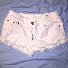 Bullhead white distressed shorts Good condition Bullhead Shorts Jean Shorts