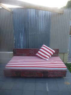 Day Bed timber pallets and recycled timber