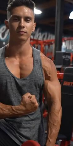 Gym Workout Chart, Gym Workout Videos, Gym Workout For Beginners, Workout Guide, Workout Songs, Workout Schedule, Chest Workout For Men, Chest Workout Routine, Chest Workouts