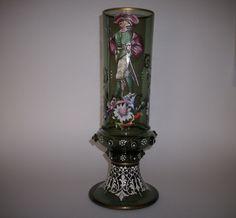 Großer Historismus Glas Pokal mit bunter und weißer Emailmalerei um 1890