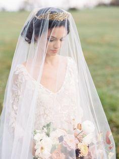 Romantic+Bohemian+Bride+with+a+Vintage+Drop+Veil