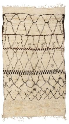 Vintage Moroccan Rug #45313 Moroccan Rugs  http://nazmiyalantiquerugs.com/antique-rugs/moroccan-rugs-vintage-carpets/  Moroccan Rugs