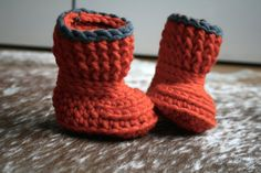 Crochet Pattern, crochet baby slippers pattern, Lazy Sunday Baby Slippers 196, Instant download sizes 0-6 months and 6-12 months