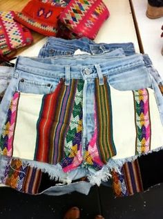 Tribal jean shorts clothes diy clothes, diy shorts и diy fas Do It Yourself Quotes, Do It Yourself Fashion, Tribal Shorts, Diy Shorts, Diy Jeans, Western Style, Western Wear, Short Outfits, Cute Outfits