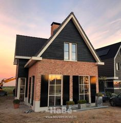 Dutch House, Sims 4 Build, Curb Appeal, Beautiful Homes, Cabin, Mansions, Architecture, House Styles, Building