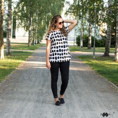 PaaPii Design VUONO t-shirt, Keto Warm Grey, Keto, Black And White, Pink, T Shirt, Tops, Design, Women, Fashion