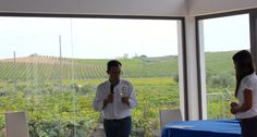 #winemakers and #vineyard in the back....that's #menfishire #winetasting #settesoli #vendemmiasulmare
