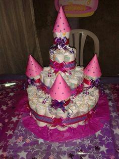 Torta de pañales en forma de castillo