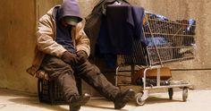 Outre les conditions de vie difficiles, les sans-abri souffrent également d'une rupture sociale. Au vu de cette problématique, une application, baptisée «Entourage», a vu le jour. Son but premier est d'encourager les habitants à recr...