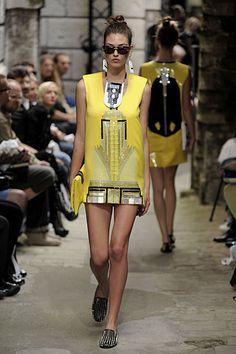 Modern Art Deco in Fashion Holly Fulton - Spring Summer 2010 Shift dress