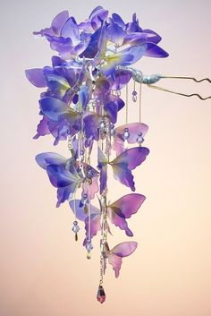 saion 「胡蝶~暁月~」かんざし 2016年_画像1 Saphir Rose, Tsumtsum, Wire Flowers, Plastic Bottle Crafts, Barrettes, Fantasy Jewelry, Hair Sticks, Hair Ornaments, Resin Crafts